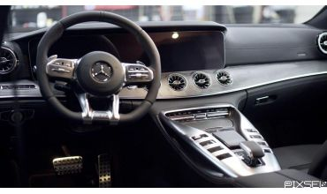 Защита на огромную мультимедиа в Mercedes G-class
