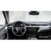 Защитное стекло на приборную панель Audi e-tron