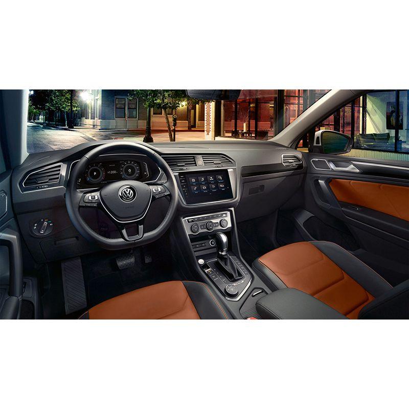 Защитное стекло на приборную панель Audi Q3 / RSQ3